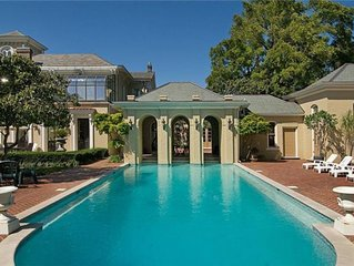 Downtown Historic Mansion: Pool, Park, Ponds and much more!