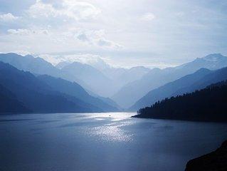 Gorgeous Mountain Estate with Spectacular Lake and Mountain Views!!!!!