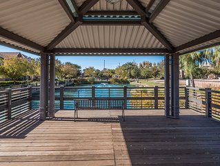 Gated Lake Community in Heart of Gilbert- Sleeps 7