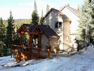Immaculate 3 Bdrm House - Close to Skiing and Hiking ! !