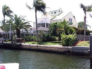 Lovely Key West Style Waterfront Heated Pool/Spa, Walk To South Beach