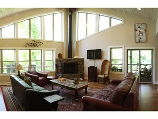 Luxury in the Woods - just 6 miles from downtown Asheville