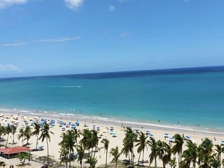 Beautiful beachfront condo in the heart of Isla Verde!
