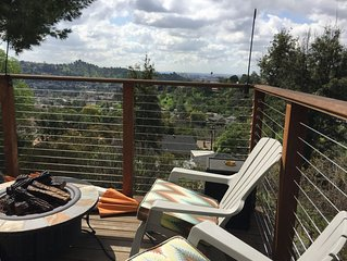 Views, Comfort, Deck, Outdoor Dining, and Location!
