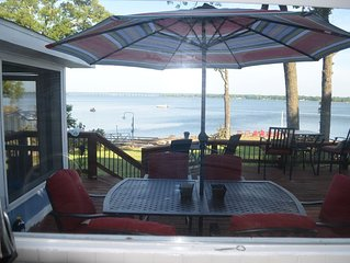 GRAND PANORAMIC RETREAT, 6 BR, 3 BA, 300' Lakefront, Hot Tub, Dock & Launch! NEW