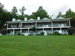 Birdsong Villa Unit # 2  Have fun on Lake Chatugue!