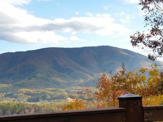 5 Star Cabin, Oct28-Nov1 open, Mt Views, King Suites+Queen Loft, Theater/Game rm