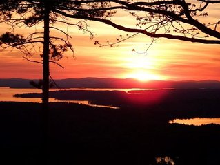 Grand View Home overlooks the lakes region, minutes to Wolfeboro!