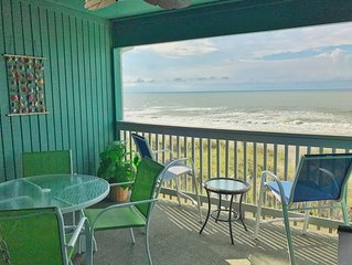 Unlimited Oceanview, Top Floor Condo with Direct Beach Access, New Kitchen