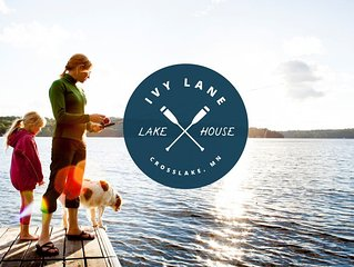 Ivy Lane is located on Crosslake and is part of the Whitefish Chain of lakes