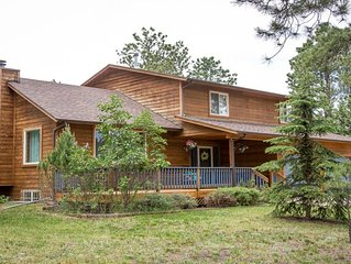 Beautiful Mountain Home in Woodland Park, central to local attractions, Sleeps 8