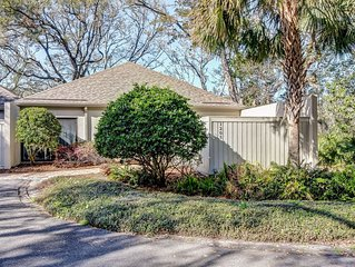Perfect location, Newly Updated 2 bed/ 2 bath Lagoon Villa