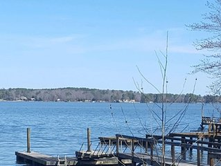 Spacious Lakefront Getaway w/ Private Dock w/Boat Launch...  *WIFI*
