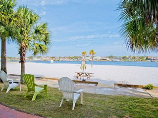 BEACH FRONT PARADISE - 4 bedroom - Gated Community - witih Opt. 30 ft Boat Slip