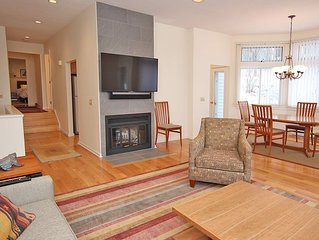 Elegant 4 BR condo in Lenox, MA- completely new- 3 min from Tanglewood