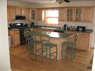 BRADLEY BEACH VACATION HOUSE, THE QUIET SIDE OF TOWN, YOUR HOME AWAY FROM HOME!