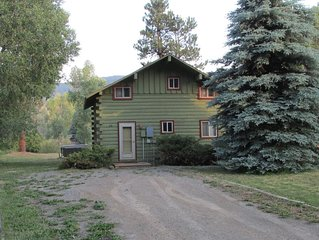 River Lodge Log Cabin on the San Juan River Bordering National Forest Free WIFI