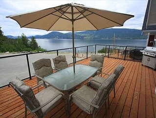 4BR Luxury Lakefront Cottage La Casa Resort Kelowna Sleeps up to 10!
