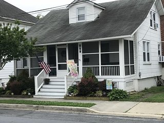 Charming  beach house blocks from the beach & downtown Lewes -must see!