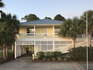 IMMACULATE., AFFORDABLE AND AMAZING BAY VIEWS & SUNSETS!