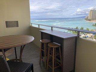 Waikiki Spacious One Bedroom Ocean View