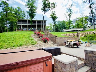 Lakefront Home w/ Best Sunsets Views. Hot Tub & HUGE Outdoor Spaces w/Fire Pit