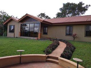 Exclusive Hidden Treasure!!  Casa Escondido!! Private lake view vacation home!!