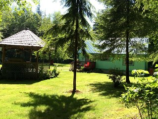 Private,Quiet,cabin,on 27 acres, near the Hoh Rain Forest Nat' l Park.