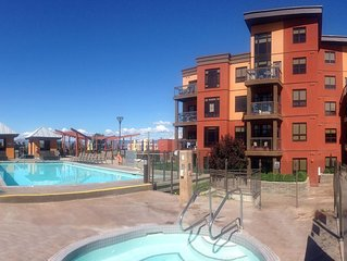 Kelowna Pool Front Resort Summer Condo Rental Playa Del Sol