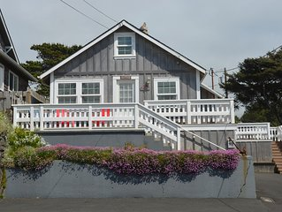 Charming Cozy Cottage w/ OceanView! Steps to Beach!!! W/ 2 large decks and WiFi!