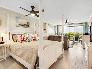 Escape to Sapphire II- Modern Fully Furnished, Gorgeous Views, Walk to beach