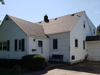 5BR home in Old Homestead 1 with Private Beach. 10 min. to Cedar Point, Huron OH