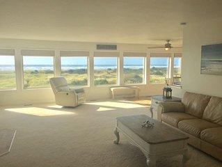 Pacific Dreams Beach House- Beach front! Steps from beach,Gorgeous ocean views!