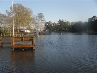 Carson's Place- Lake Front Cottage with Sandy Beach