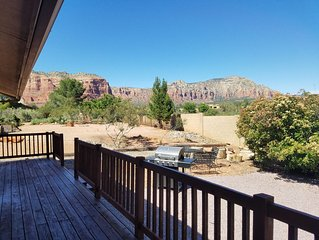 Amazing Views! 5 Star Reviews! Open Floor Plan! Updated Sedona Home!