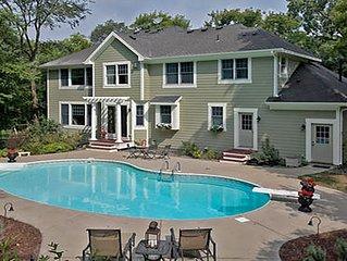 Minnestay * Minnetonka Executive Woodhaven Retreat * w/ pool