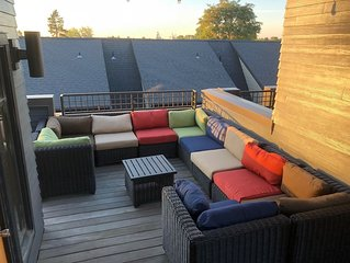 3BR/3.5BA Modern Downtown Townhome on Mill Creek with Stunning Rooftop Deck