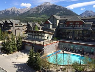 Lodges at Canmore – Hot Tub & Heated Swimming Pool, Private Laundry, Kitchen&BBQ