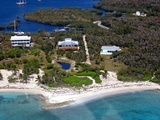 Waterfront in Black Sound, secluded beach & private dock on Green Turtle Cay!