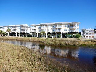 Overlooking the Gulf of Mexico! Gulf Breeze Condo #201- Private Ramp and Slip!