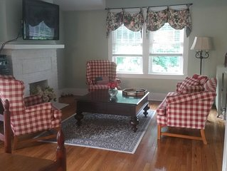 Two Bed/1 Bath Apartment -  East Lake Bluff, Illinois