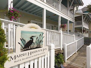 Bed & Breakfast On Bald Head Island- Marsh Harbour Inn - Cape Fear Suite