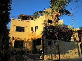 Casa la Ola - beautiful house with pool and garden by the beach