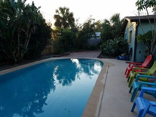 Melbourne (Heated) Pool Home Sleeps 10 4 bed/2bath