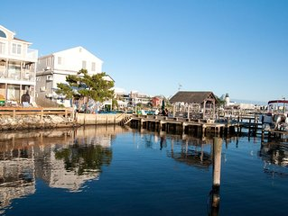 Middle of Dewey ,On the Bay, Close to the Beach , Boat Slip and Parking
