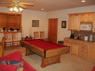 Large & Luxurious Condo in Smoky Mountain Country Club ($89/wkday thru Nov 20)
