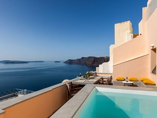 'Caldera view villa' with hot tub in Oia