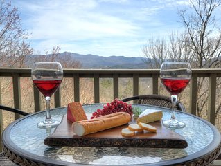 FRESH MTN AIR SALE- SLEEPS 8!STAY 3 NTS & 4TH HALF OFF OR  6 NTS  &  7TH FREE!