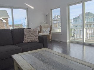 Newly Renovated Beach House, 4 Bedrooms, 3 Baths