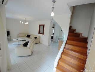 Chanioti Upscale 3 Bed Condo by Seaside